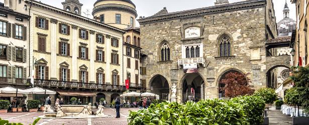 View of Palazzo del Podesta in the old town, Bergamo, Italy