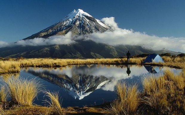 montagna-riflessa-sul-lago